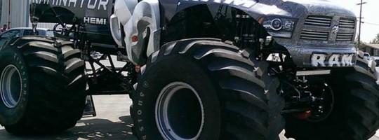 MonsterTruck736x490